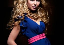 Blonde Model - Untamed Glam